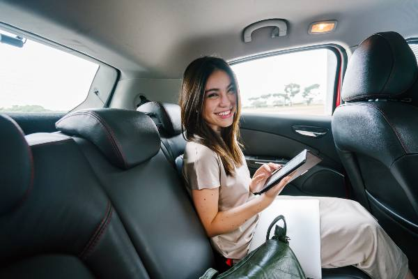 Who Pays for Uber Accidents? Call the attorney today